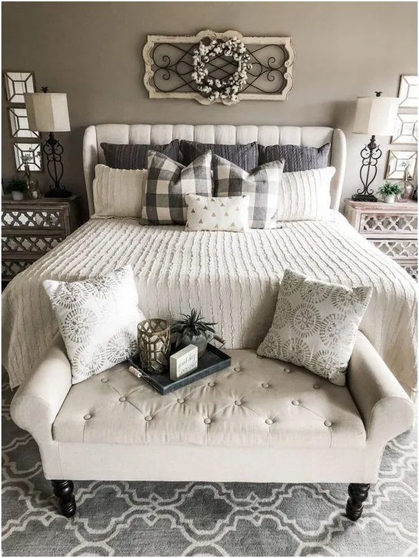 30 Homey And Cozy Master Bedroom Decorating Ideas In 2019 In 2020 Farmhouse Style Bedroom Decor Cozy Master Bedroom Master Bedrooms Decor