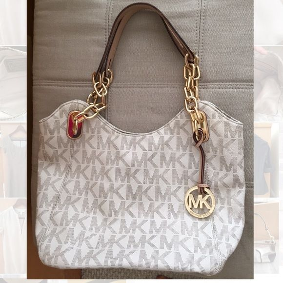Beautiful MK medium satchel Very gently used. Sprayed with MK protectant. Kept in dust bag when not in use.  Excellent condition on the exterior. Interior has slight wear. Michael Kors Bags Satchels