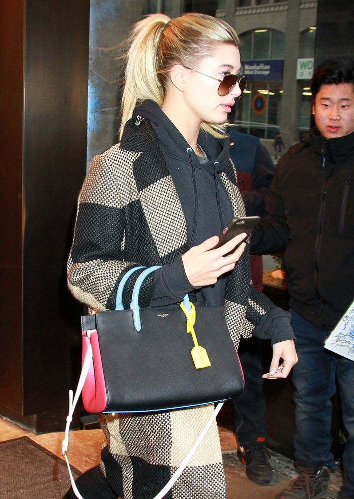 7550ee35f88f Hailey-Baldwin-Saint-Laurent-Small-Cabas-Rive-Gauche-Tote