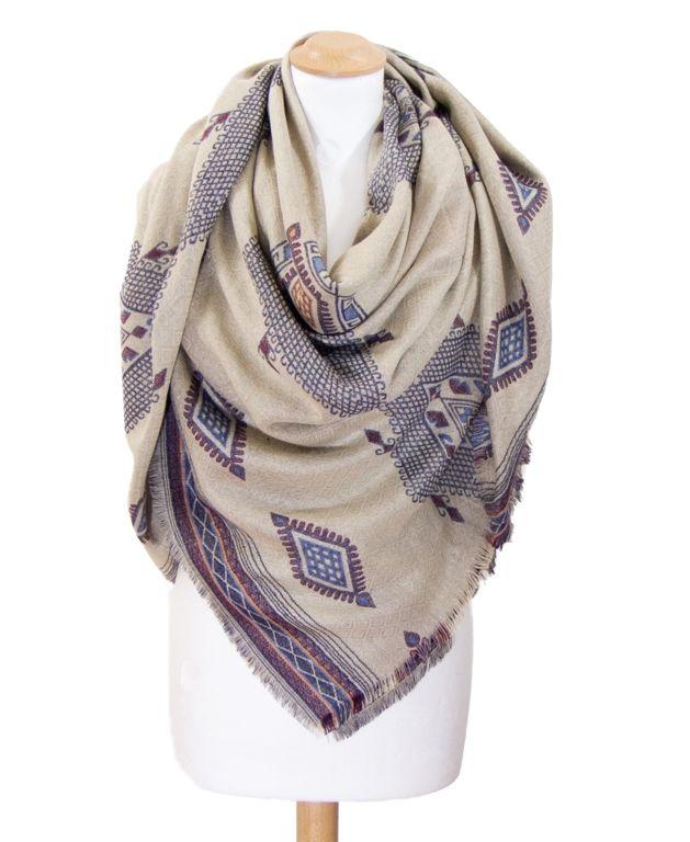 Châle carré en laine écru motifs amérindiens   Chale 5397ab634fb