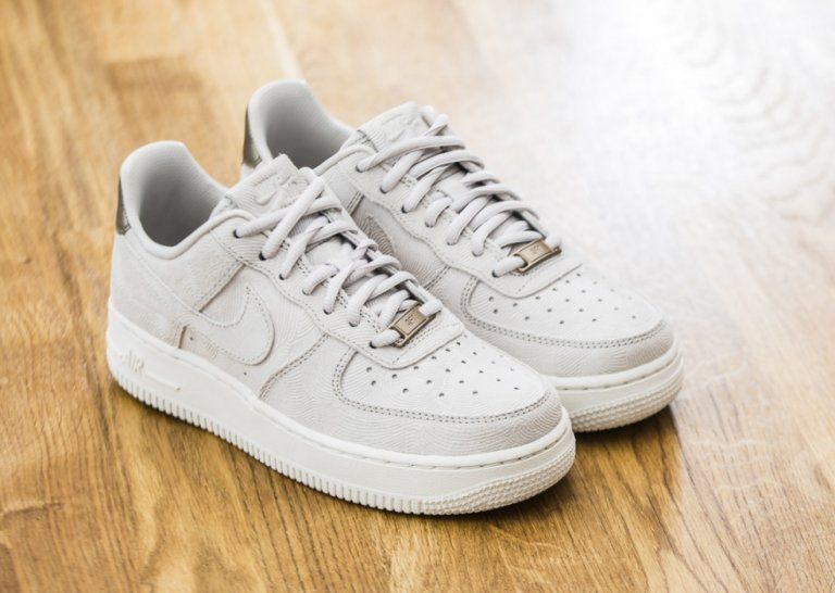 bddff6061d3 Chaussure Nike Wmns Air Force 1 07 Low Suede Premium Gamma Grey (1-1 ...