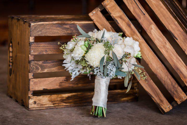Rustic Lodge Wedding Rustic Wedding Chic Wedding Themes Rustic Rustic Wedding Bouquet Rustic Chic Wedding