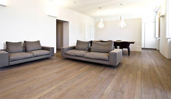 Pavimento in tavole a misure miste in rovere spazzolato con finitura a olio e cera pavimenti - Tavole in legno per pavimenti ...