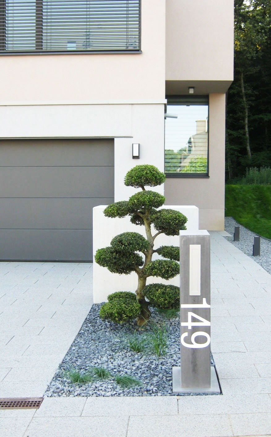 Amenagement entr e bonsa jardin et for t for Minimalistischer vorgarten