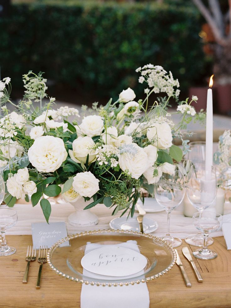 #tabledecorations #tabledecor #decorations #centerpieces #placesetting #tablesetting