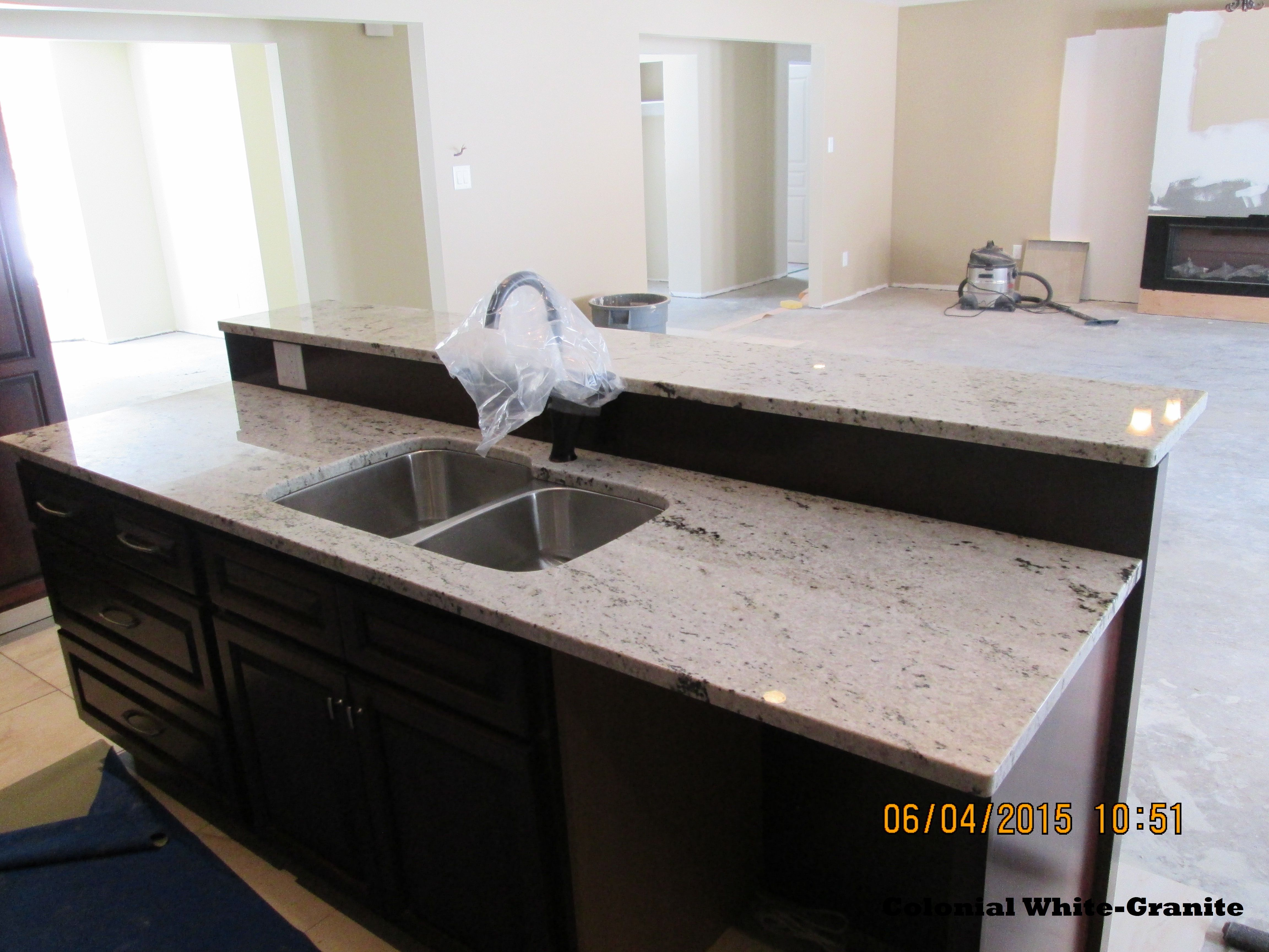 Best This Picture Shows A Colonial White Granite Countertop 400 x 300