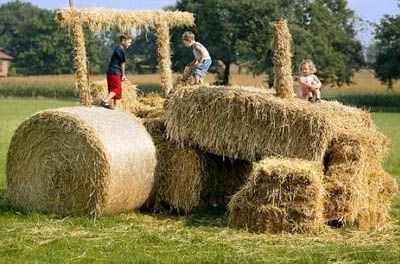 Hay bail tractor! =]