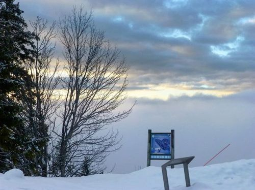 cladelcroix:Entre neige et nuages Col de la Faucille France ...