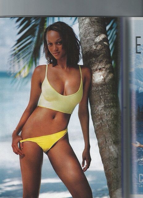 Tyra Banks For Sports Illustrated Swimsuit In 1998 Tyra Banks Bikini Beautiful Swimsuits Tyra Banks