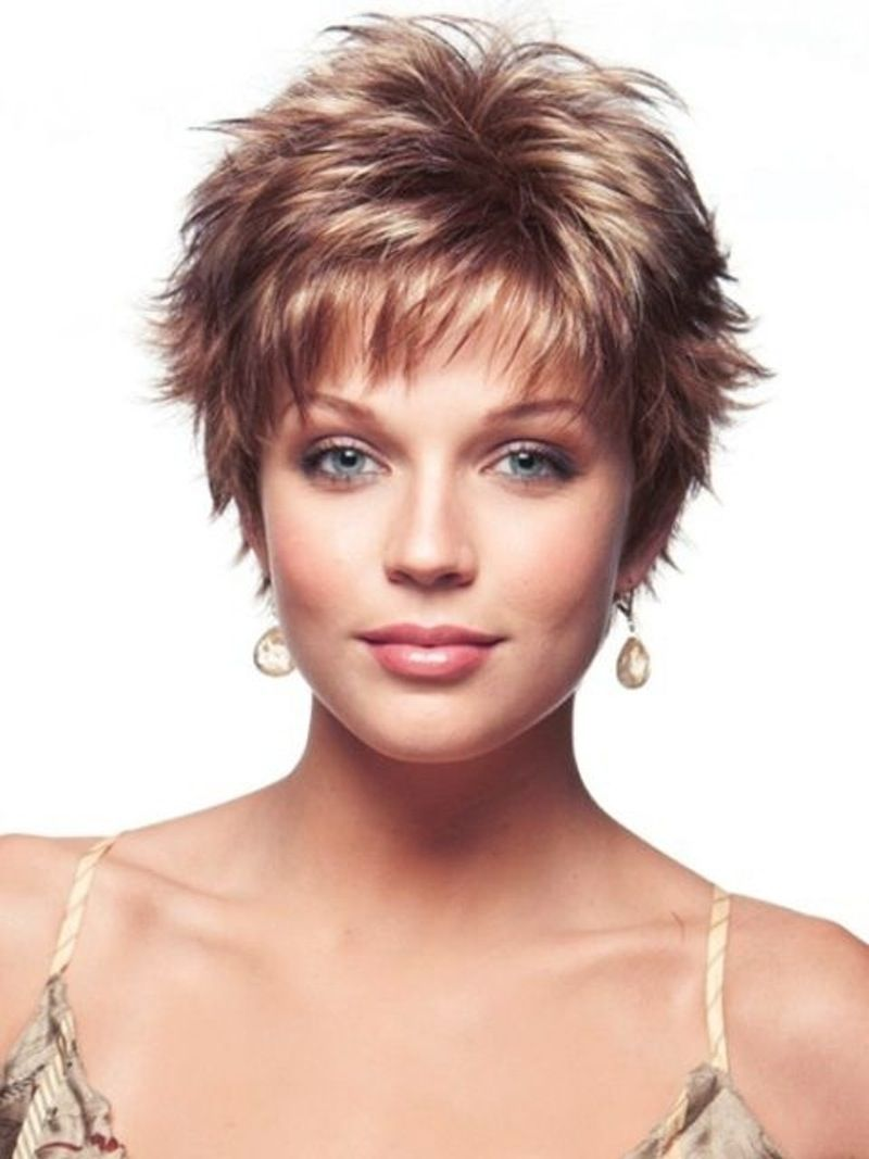 short and sassy hairstyles for thin hair to add volume