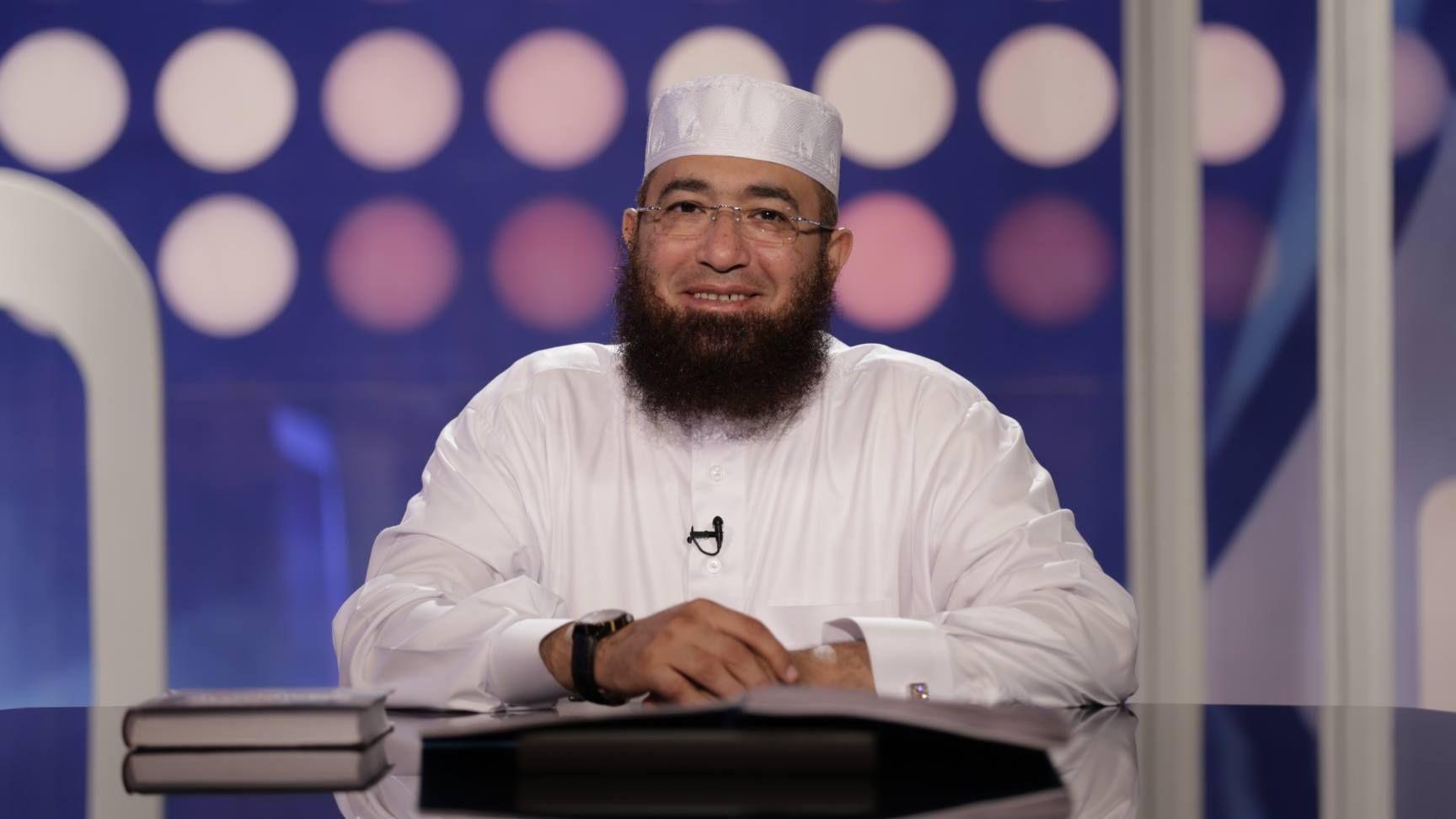 الحلقه 16 والحلقه 17 من برنامج من قصص الرسول للشيخ محمود المصرى رمضان 2019 Chef Jackets Jackets