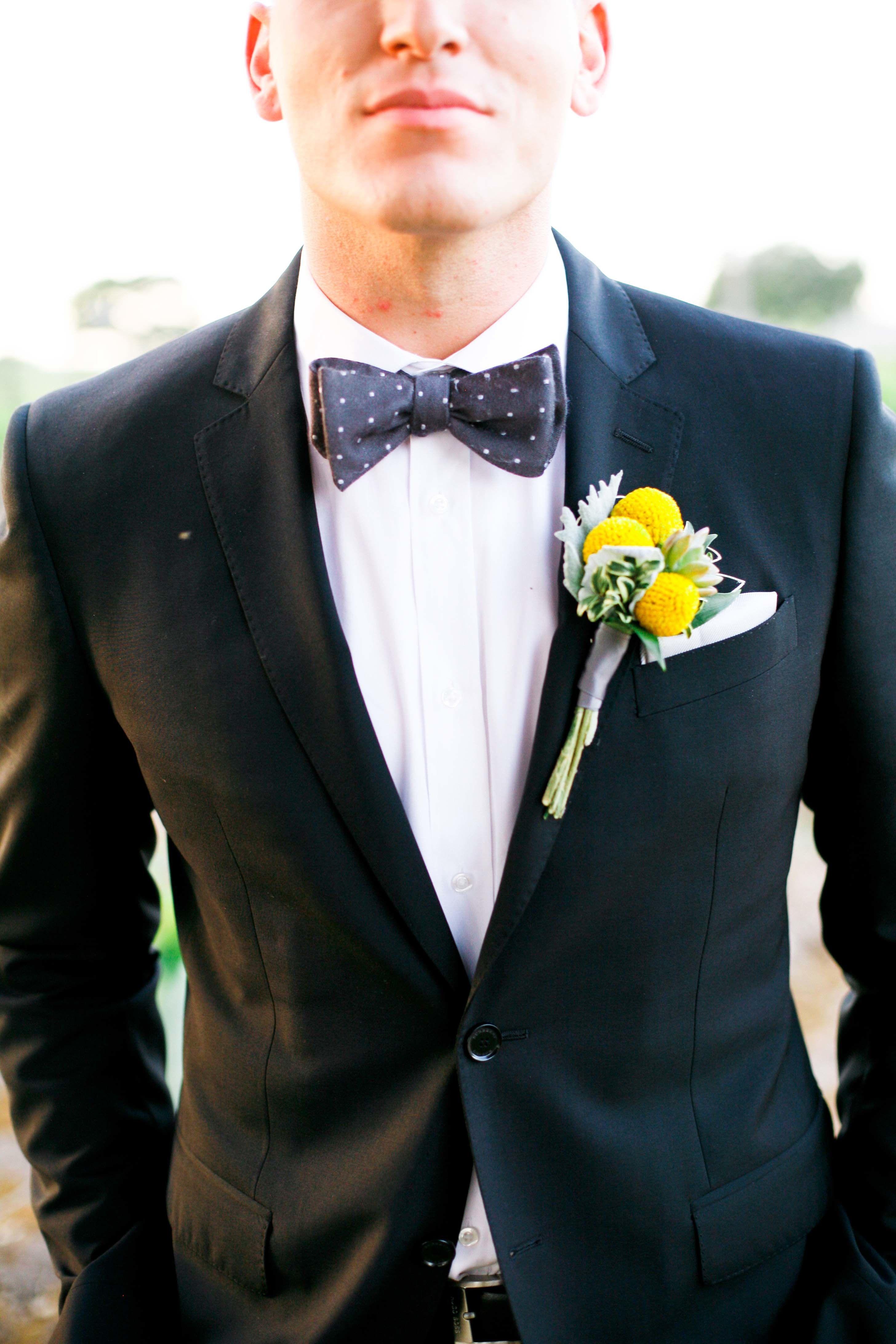 eda70ce572cc09 Elegant Outdoor Affair in Los Olivos | Brudgum | Elegant, Navy fitted suit,  Wedding inspiration