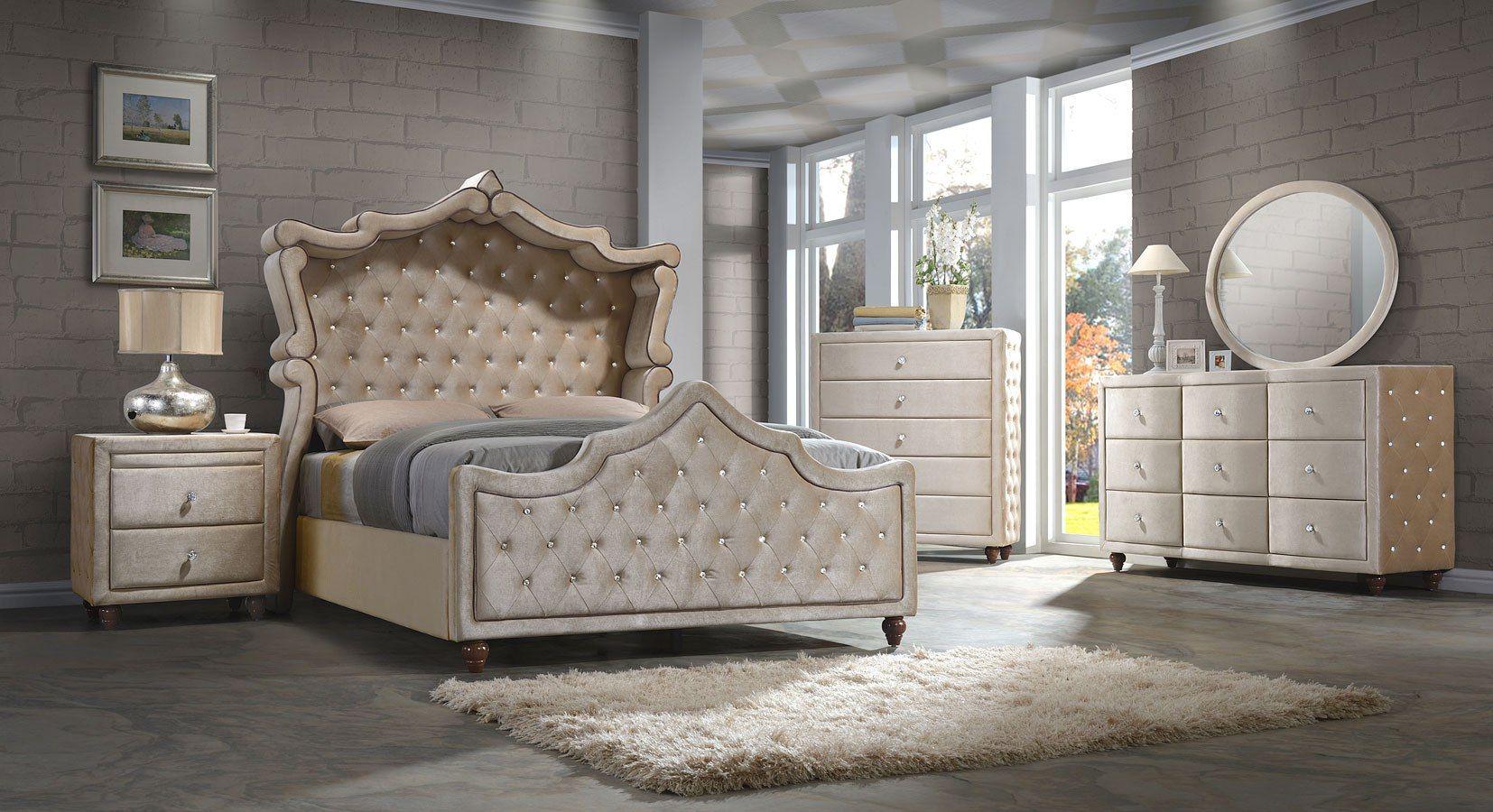 Diamond Velvet Canopy Upholstered Bedroom Set (Golden Beige)