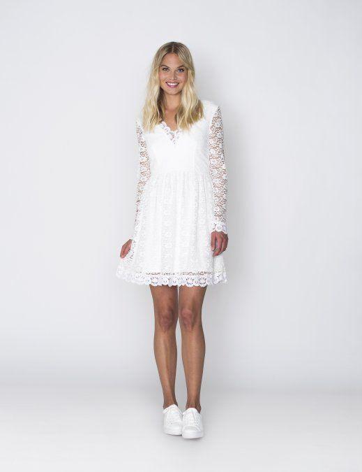 Verbazingwekkend Dit schitterende witte kanten jurkje met lange mouwen van DryLake YS-23