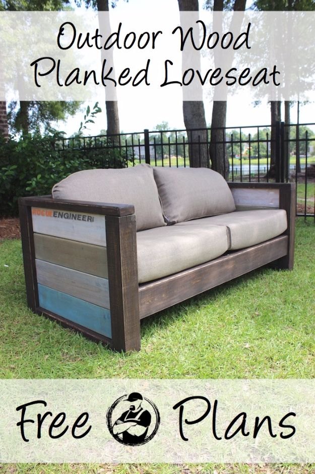 35 super cool diy sofas and couches diy sofa wood for Outdoor sofa plans