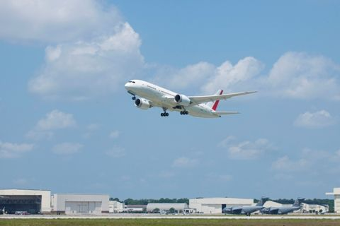 First South Carolina built 787 Dreamliner takes to the skies.