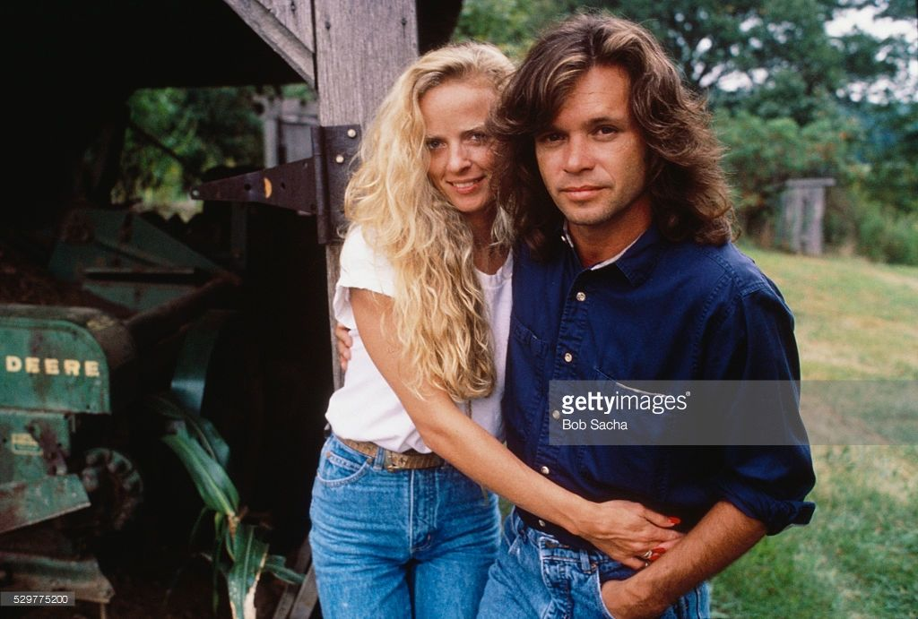is john cougar mellencamp still dating meg ryan