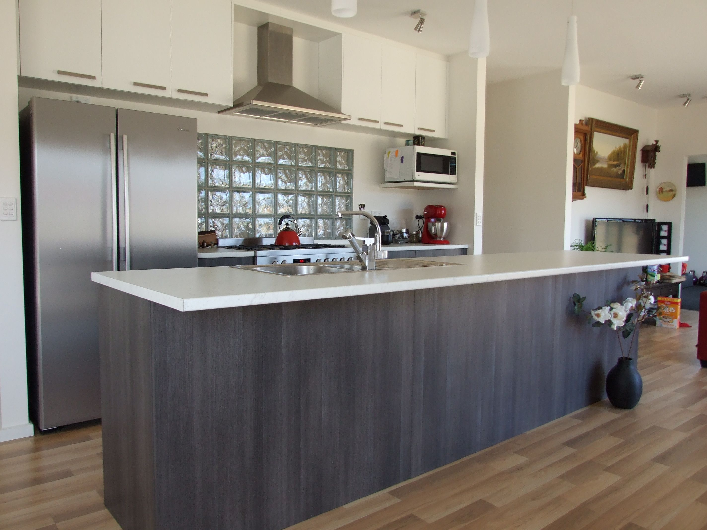 Kitchen Design Centre Hobart This Stylish New Kitchen From The Kitchen Centre Located In