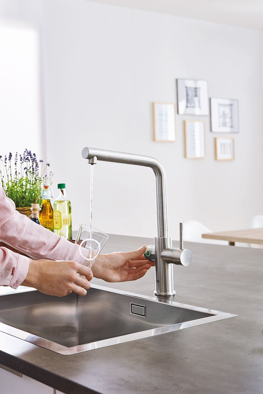 kitchen faucets with GROHE QuickFix
