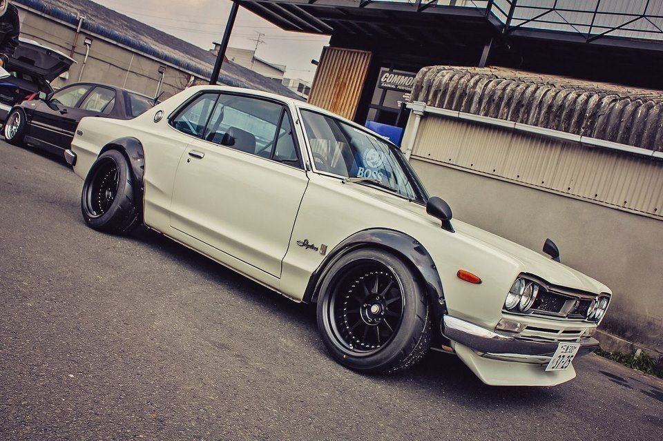 Wide rims on an old skyline-dream car.. ~71 skyline... buy it for me ...