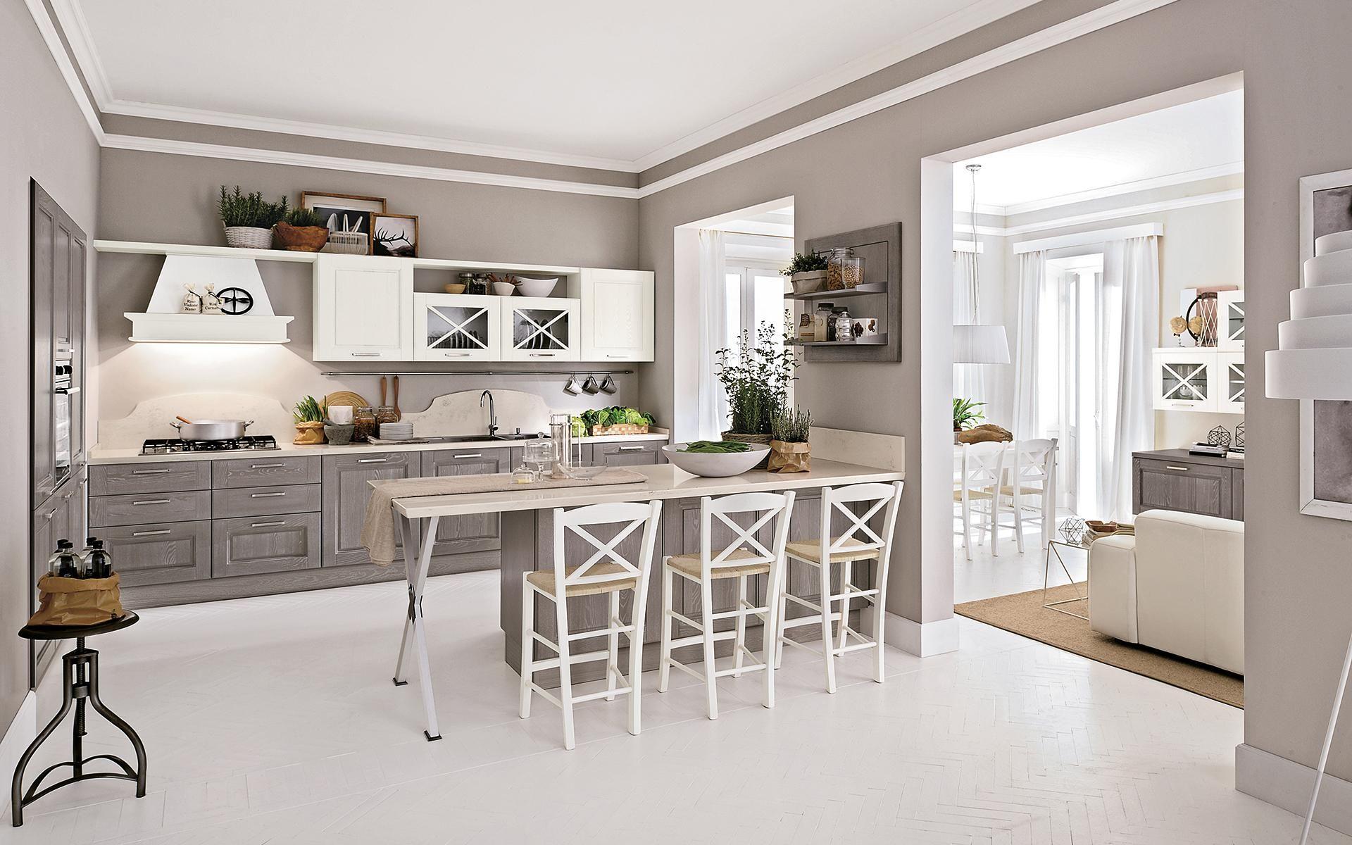 Cucina classica grigio chiaro e bianca | Arredamento cucina ...