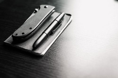 CRKT - drifter (g10, combo edge) / Moleskine pocket notebook / Fisher spacepen - bullet (matte black)