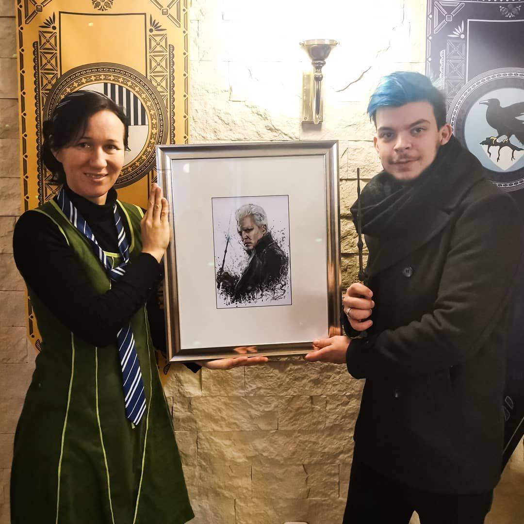 Ihr Konnt Grindelwald Jetzt Im Harry Potter Cafe In Klagenfurt Bestaunen Voldemort Und Dumbledore Folgen Phoenixbookcafe Harry Potter Potter Harry
