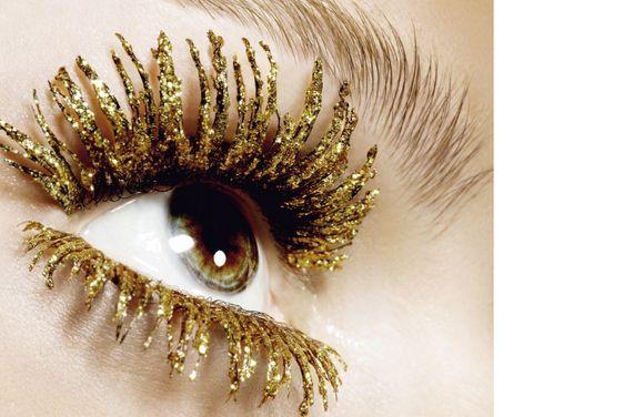 golden glitter mascara