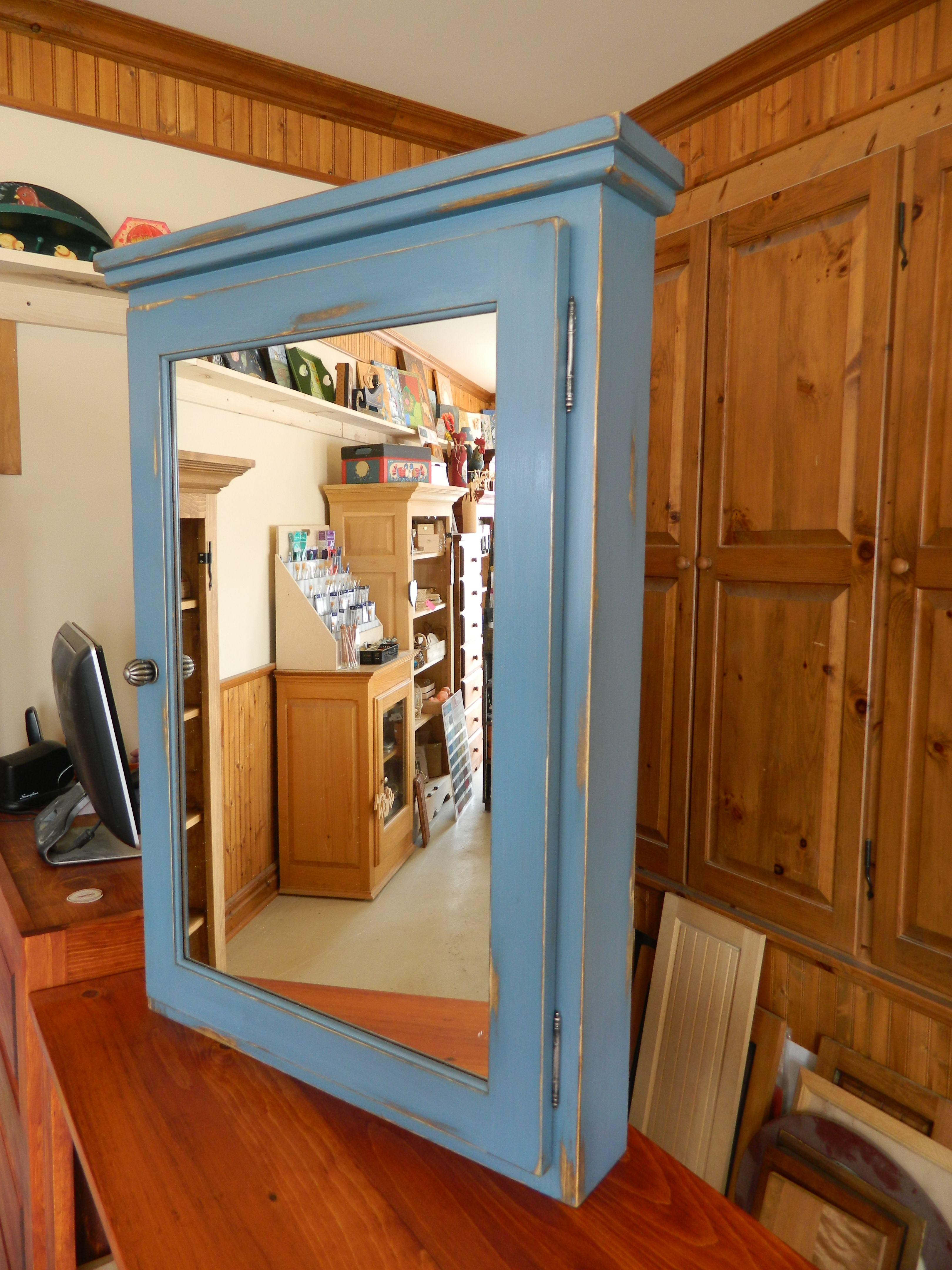 Pharmacie de salle de bain fabriqu sur mesure en pin porte miroir finition peinture de lait - Peinture pour meuble en pin ...