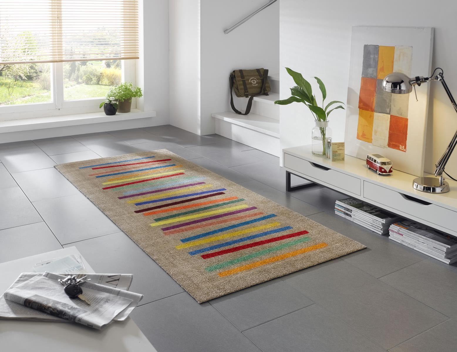 waschbarer l nglicher teppich f r den wohnbereich mit bunten farbstreifen wohnidee. Black Bedroom Furniture Sets. Home Design Ideas