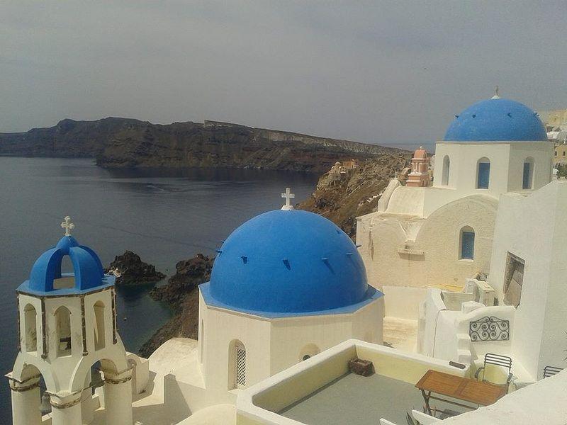On te transporte en Grèce pour te parler des meilleurs vins à apporter dans les restaurants grec! Sur lecahier.com