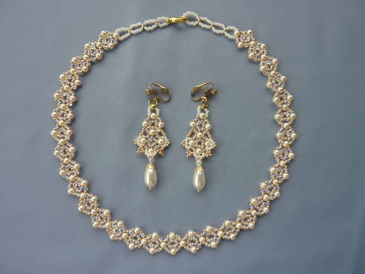 Free Beading Pattern For Beautiful Pearl Necklace Using