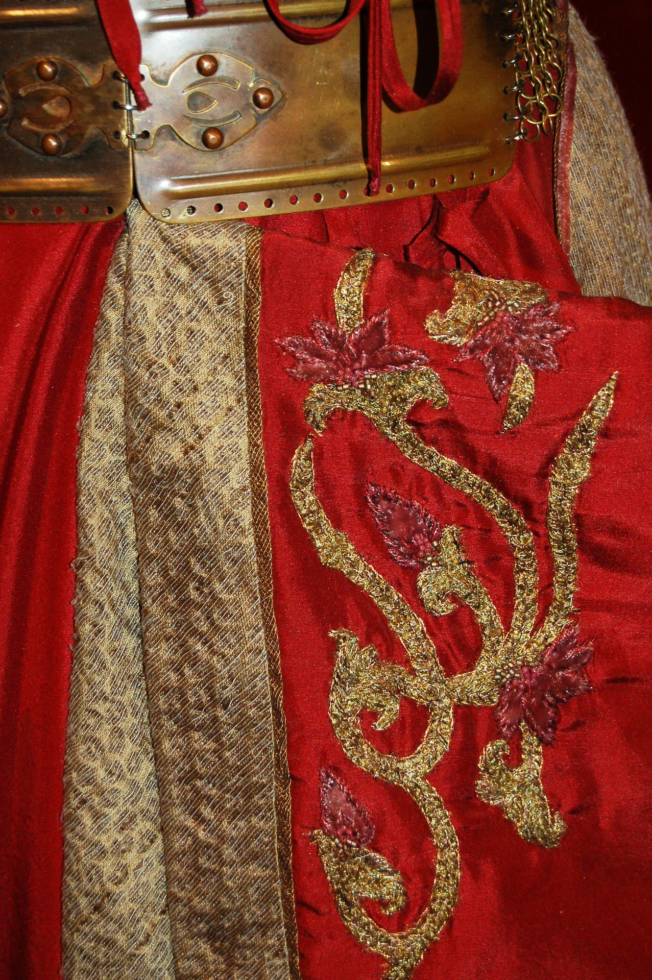 To Live Will Be An Awfully Big Adventure Cersei Lannister Costume Game Of Thrones Costumes Cersei Lannister Cosplay
