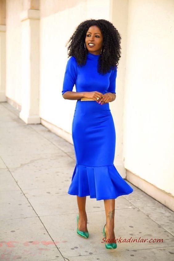 2020 en trend mavi renk elbise kombinleri mavi mifi yetim kollu kapali yakali elbise krem topuklu ayakkabi kiyafet kombinleri the dress moda stilleri kiyafet