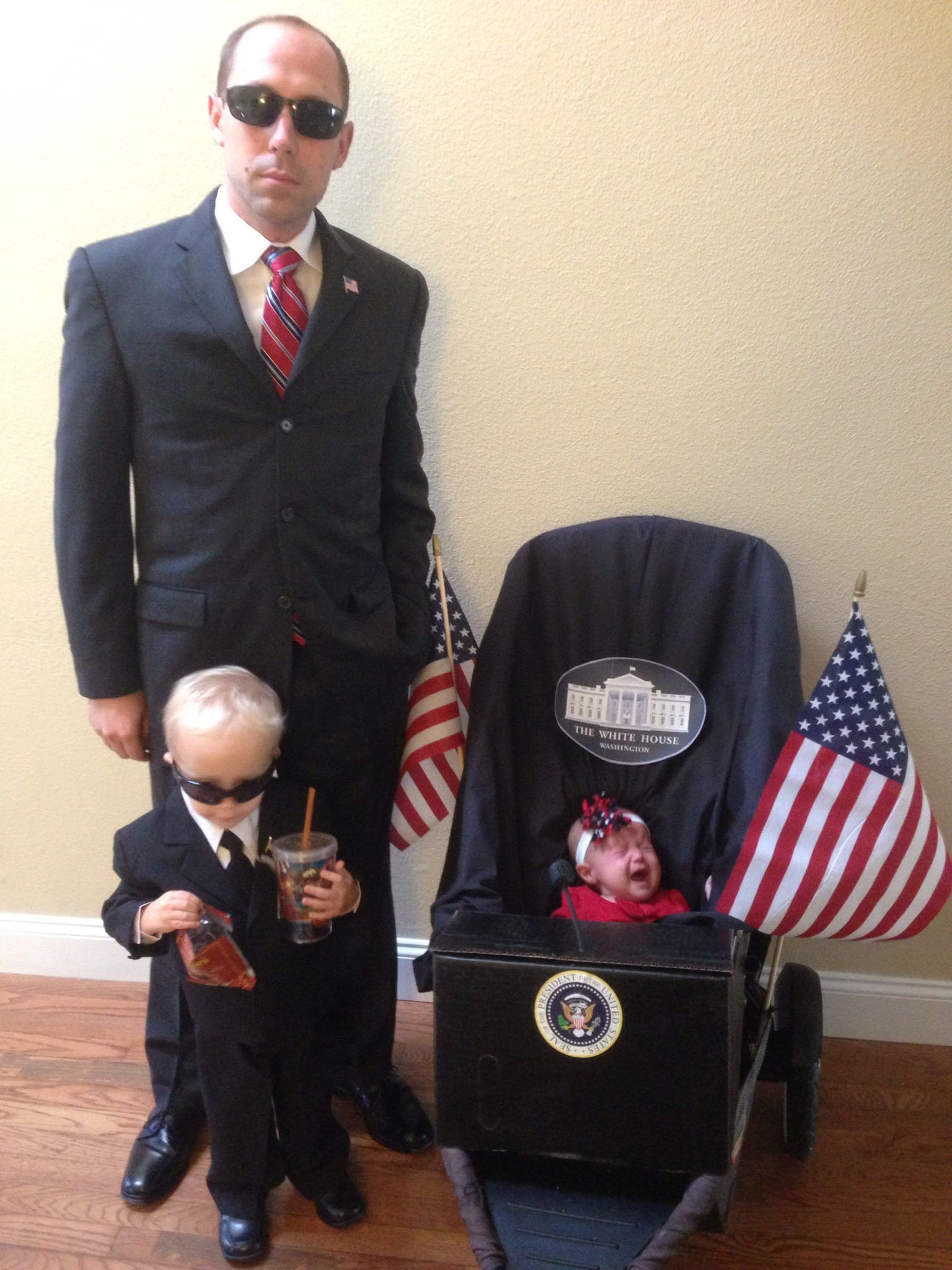 Group Family Halloween Costume President and Secret