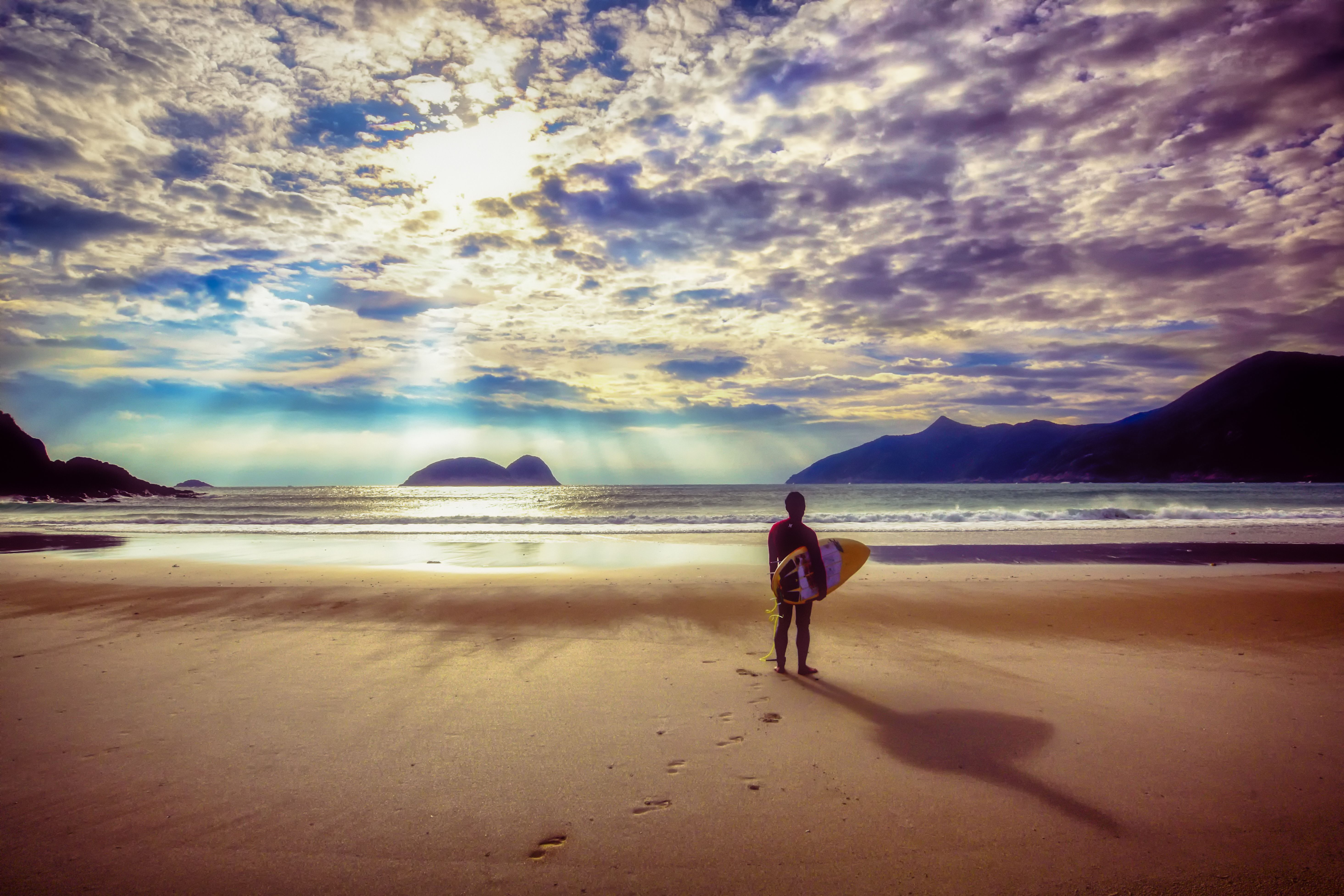 Surfer By Alan Chan In 2020 Surfer Alan Chan Beach Life