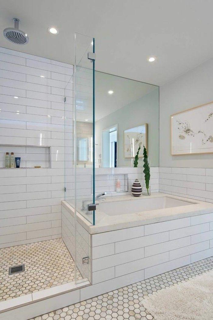 Le carrelage hexagonal une tendance qui fait son grand for Petite salle de bain avec douche italienne et baignoire