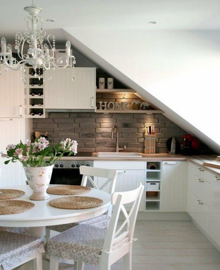 Dachgeschosswohnung Kücheneinrichtung Dachschräge Deko Ideen Küche22