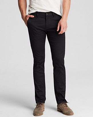 Whether you're taking center stage or rocking out in the front row, these jeans have authentic presence and an edgy attitude that's so John Varvatos and so #100PercentBloomies. Crafted in cotton with a bit of stretch for a full range of motion, helpful for when you're crowd surfing or just running for the train.