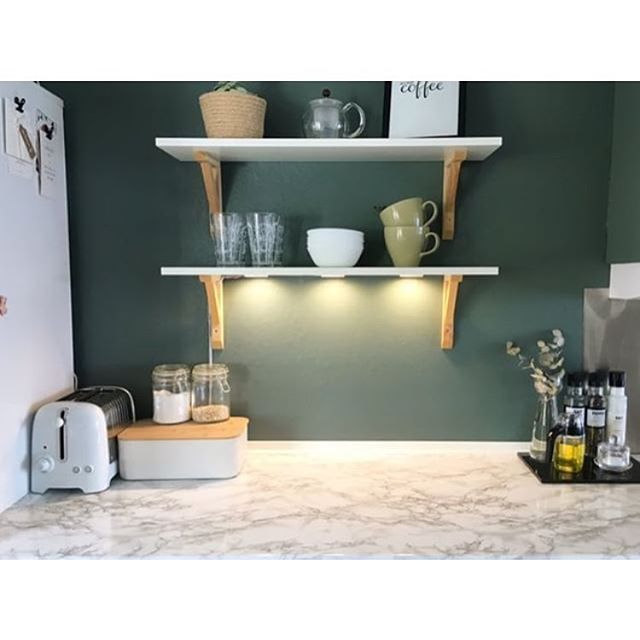 @marielenadragly har fornyet kjøkkenbenken med kontaktplast! Det ble utrolig flott😁