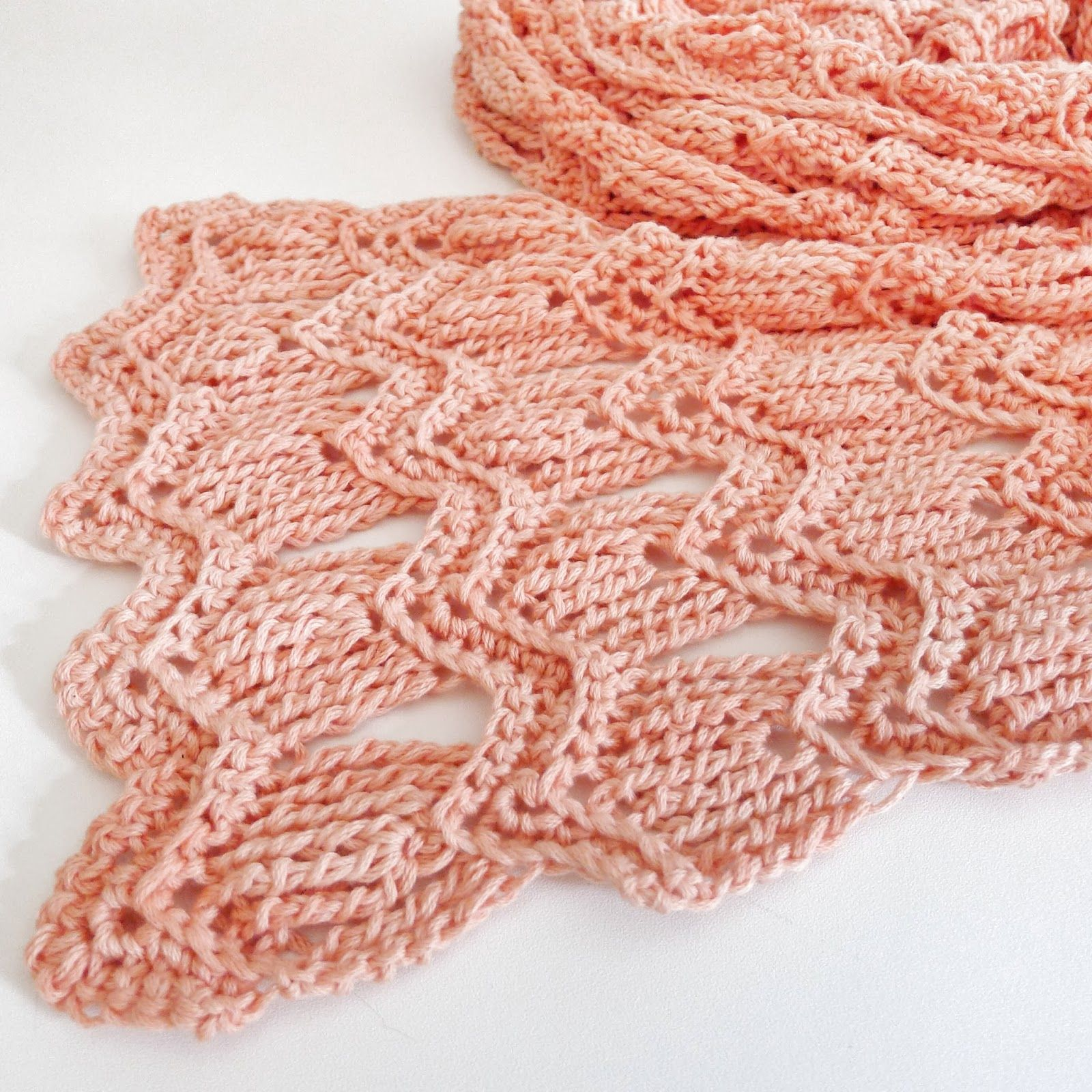 Vintage Fan Ripple Scarf - I like this use of the titch a lot more ...