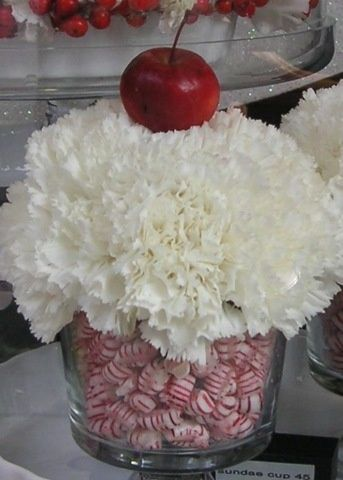 Candy themed Christmas centre piece - Click image to find more Holidays & Events Pinterest pins