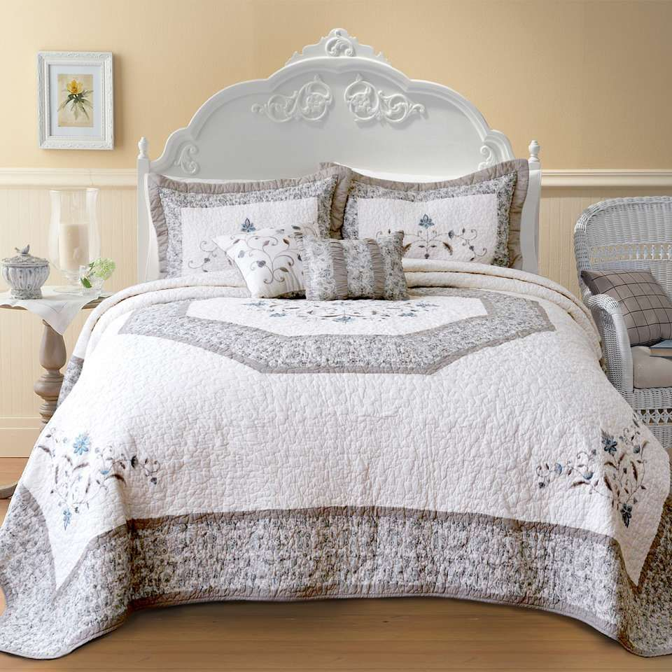 How To Choose The Perfect Bridal Bedspreads Bed Spreads Bedding