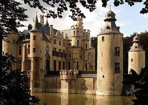 Kasteel de Borrekens (Borrkens Castle, known also as Vorselaar Castle), Vorselaar, Antwerp, Belgium - www.castlesandmanorhouses.com