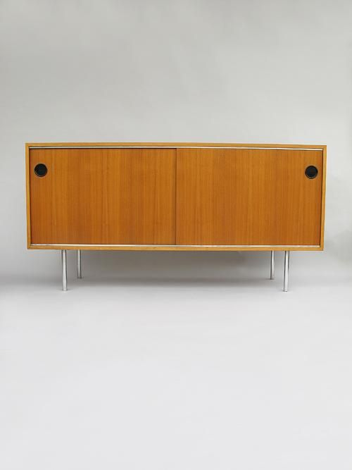 Areaneo Kurt Thut Sideboard Manufactured By Thut Mobel Ch Design Furniture Kurt Thut Thut Mobel Muebles Interiores Cuartos