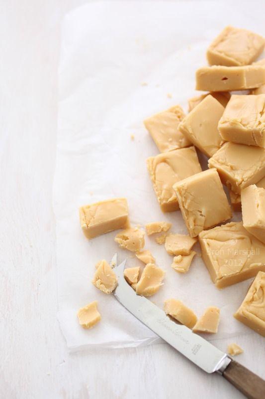 Russian Fudge 1 Lb White Sugar 4 1 4 Oz Butter 3 Tbsp Molasses 1 2 C Cream 7 Oz Sweetened Condensed Milk 2 Fudge Recipes Sweet Recipes How Sweet Eats