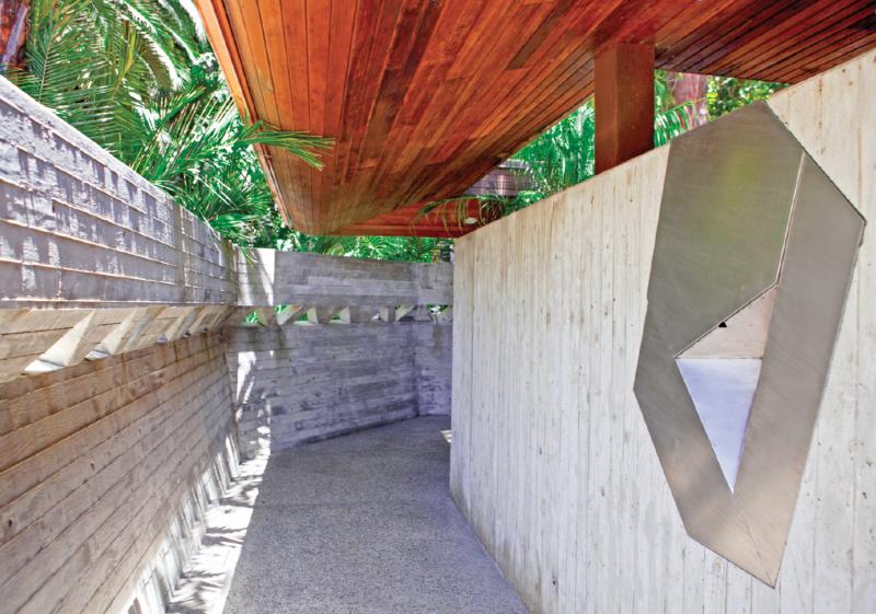John Lautner   Sheats/Goldstein House, Benedict Canyon, Beverly Hills - main entrance