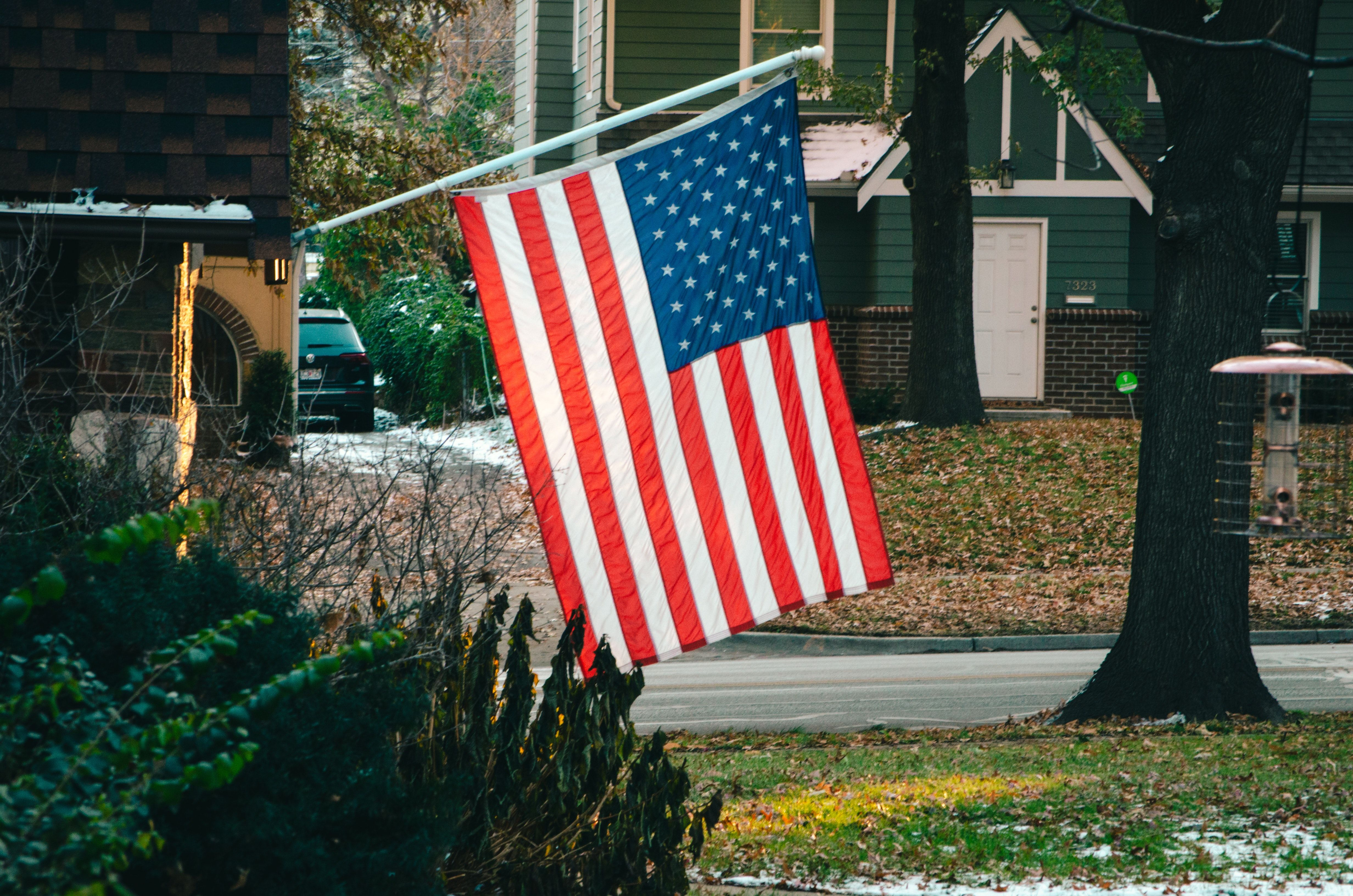 Isn T It Amazing How Old Glory Is Always Stunning Flagpoles Unitedstatesflagstore Flagdecor Buyonline Na Home Decor Cute Dorm Rooms Cool Rooms