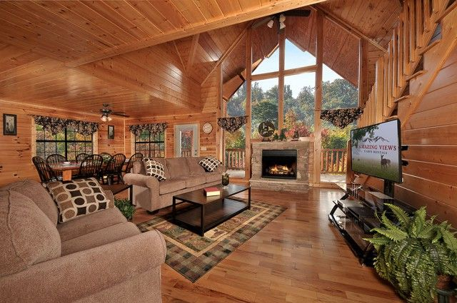 Hillbilly hilton 7 bedroom cabin in the great smoky for Nuvola 9 cabin gatlinburg