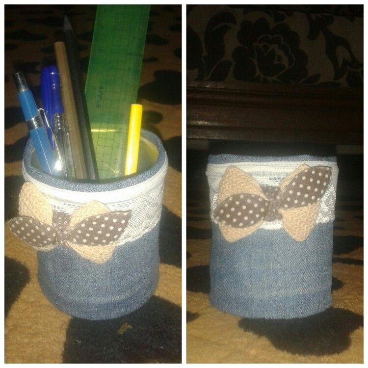 علبة شيبس صغيرة قطعة قماش جينز قديمه اى توكة او فيونكة قديمة ونلف علبة الشيبس بالجينز ونضع الفيونكه او اى حاجه للتزين Handmade Trash Can Canning